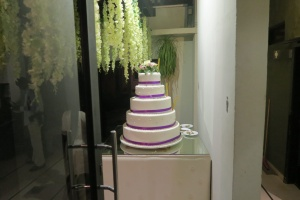 fancy wedding cake - march 2018